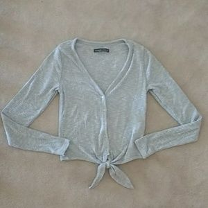 NWOT Abercrombie Grey Tie Front Button Down Top